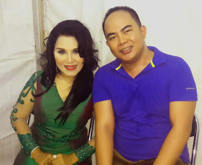 Artis Penyanyi Dangdut Ibukota Rita Sugiarto - Koji
