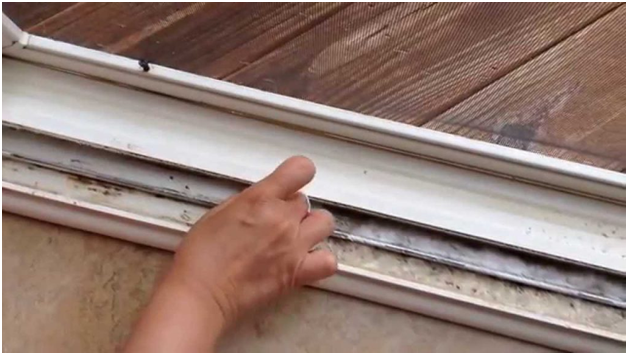 How to clean your window tracks