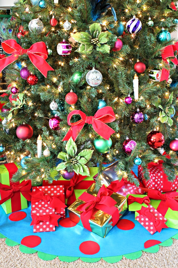jewel tones, christmas tree decorations, polka dot tree skirt, holiday gift guide