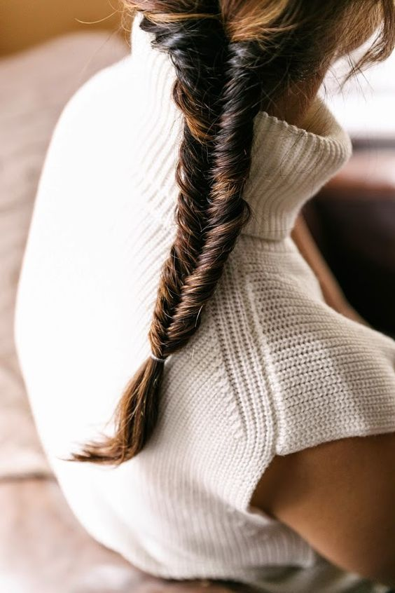 Cozy fall fishtail braid idea