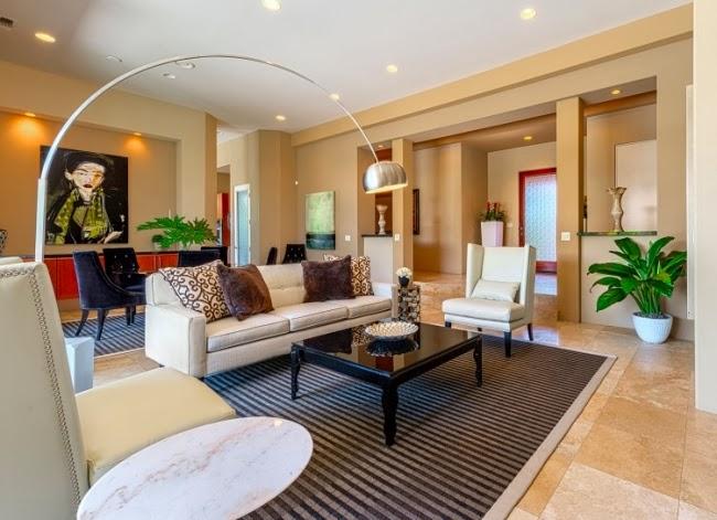 Salas color arena salas con estilo - Cojines marron chocolate ...