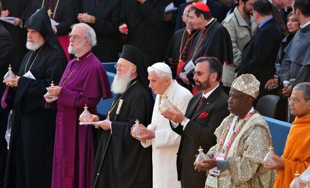 Il blog degli amici di Papa Ratzinger 4 [2010-2011]: Il Papa ai capi  religiosi di Israele: siamo chiamati a lavorare con coraggio per il dialogo  e la pace in Terra Santa (R.V.)