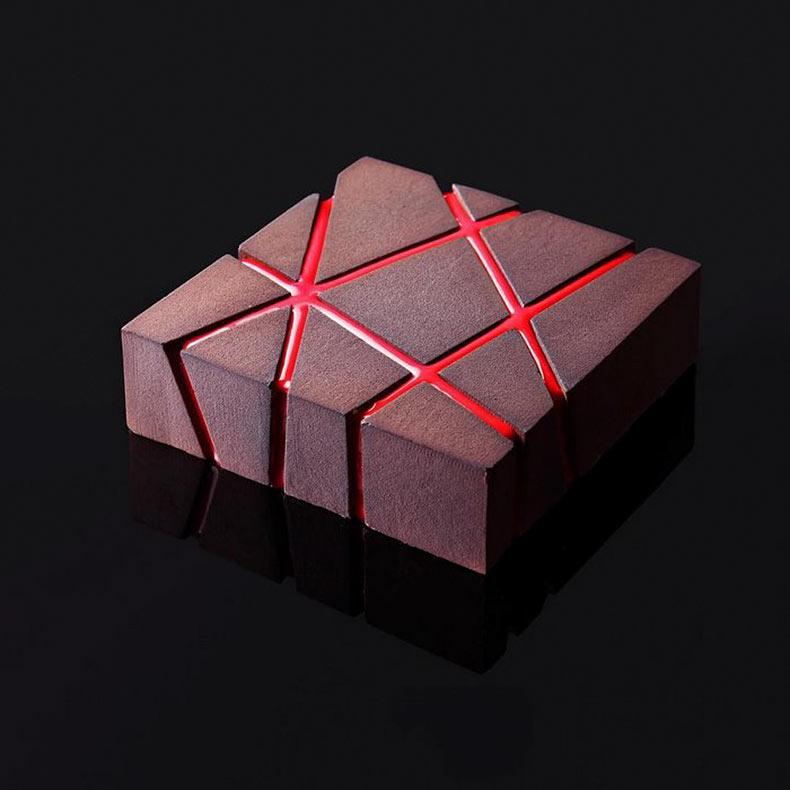 Diseñador arquitectónico utiliza sus habilidades para hacer pasteles geométricos