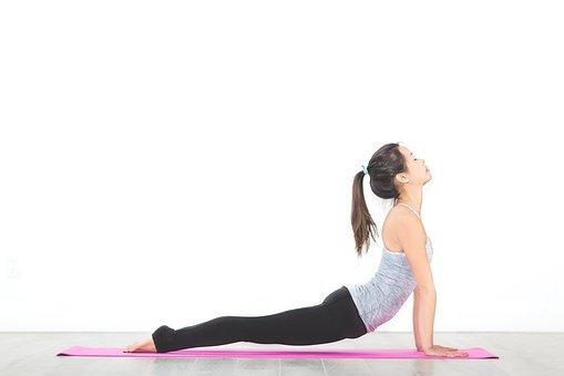 Olah raga di rumah, hidup sehat olah raga, tips hidup sehat, cara hidup sehat, yoga, olah raga di rumah, cara sederhana hidup sehat, hidup sehat millenial, mudah lakukan hidup sehat