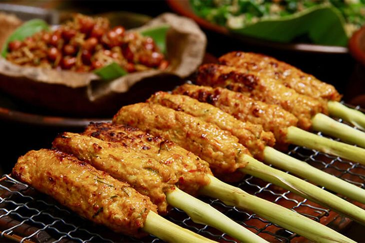 famous and popular places to find satay lilit in Bali