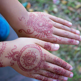 How to do kid friendly henna with children- super fun Mehendi activity for the whole family