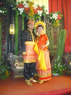 rias pengantin adat tradisional