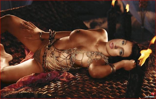 Ксения Бородина голая грудь