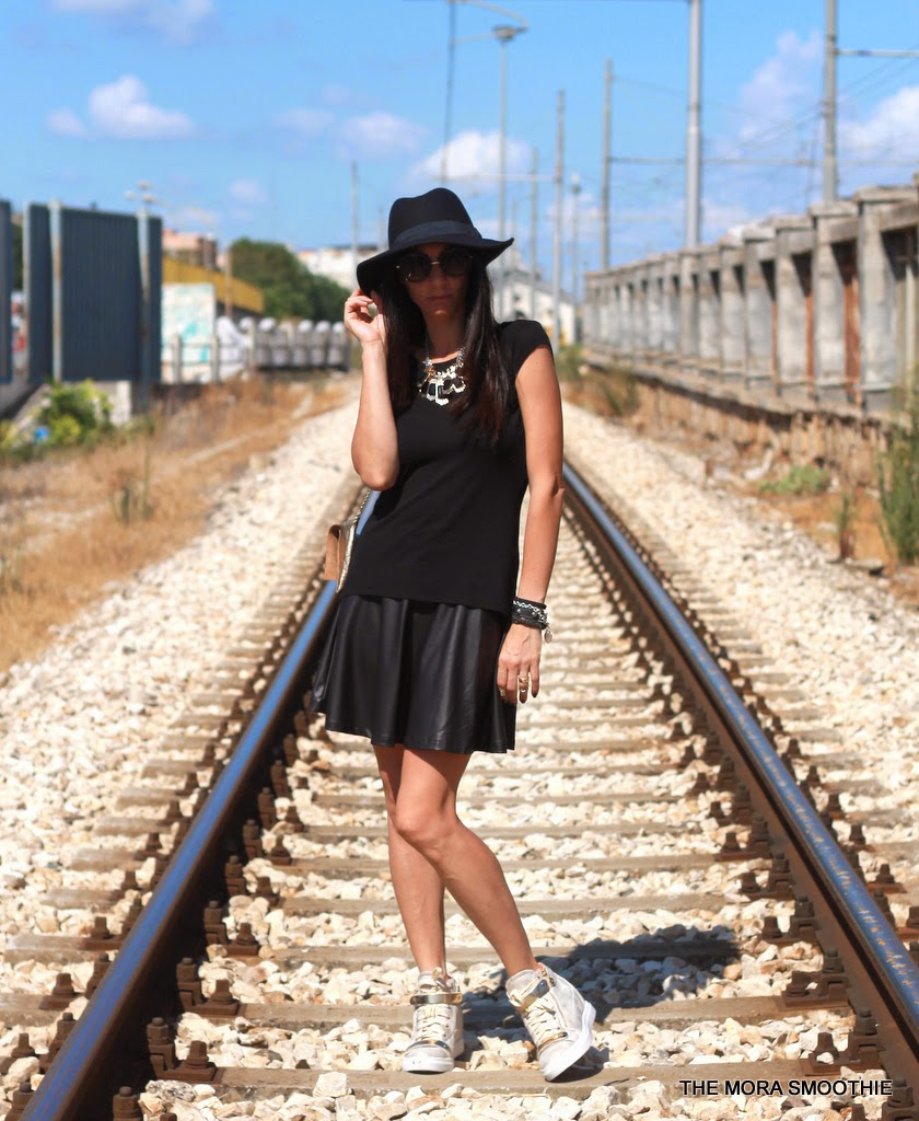 outfit, look, fashion, fashionblog, fashionblogger, themorasmoothie, fashionbloggeritaliana, italiafashionblog, italiangirl, primark, zara, diy, doityourself, topfashion, streetstyle, hat, skirt, shirt, hat, bag