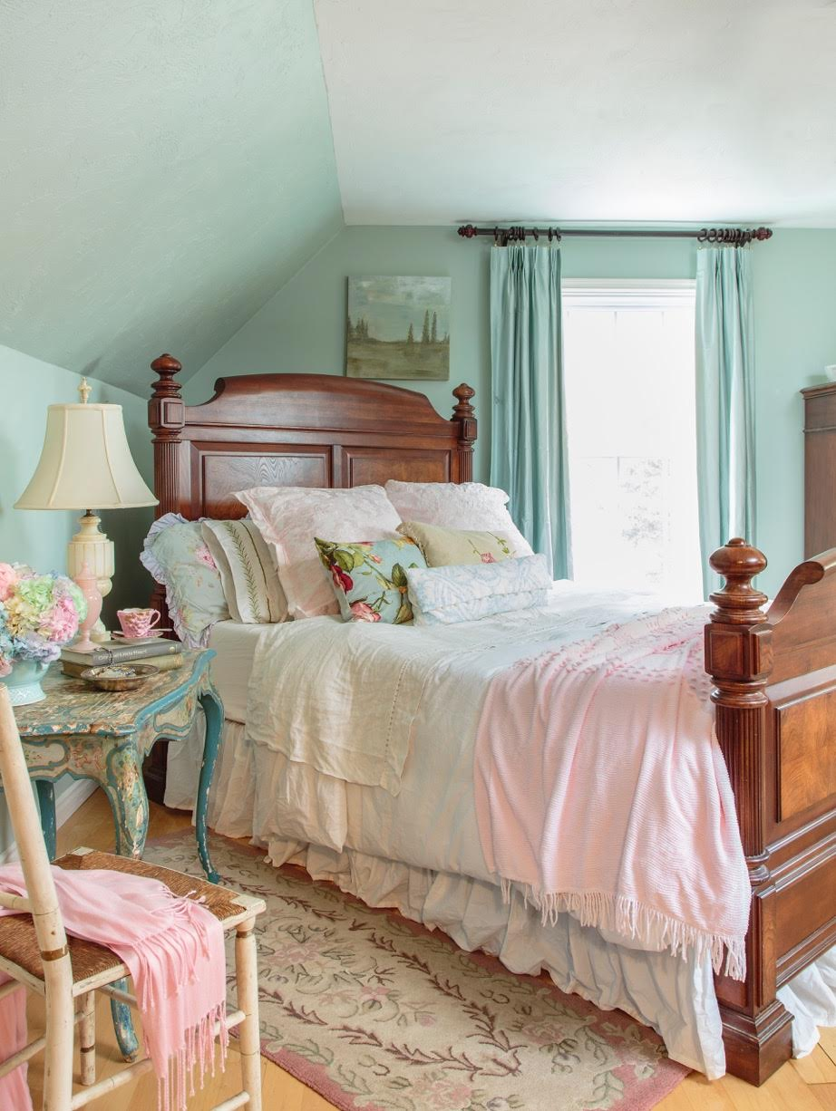 Maison Decor: A Chateau style bedroom makeover plan