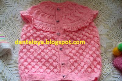 Kız Bebekleri için Pembe Yelek Modelleri