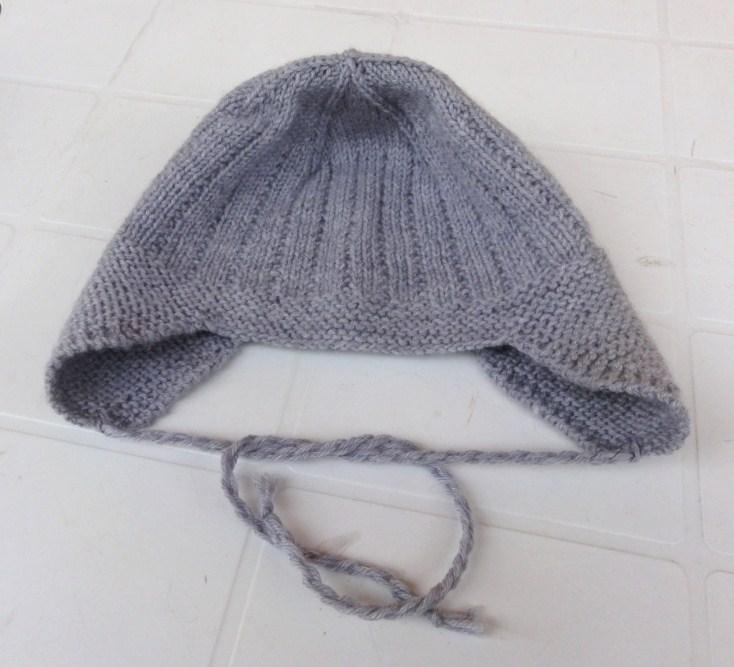 Cappellino con paraorecchie Cappellino con paraorecchie. 25cm 25cm. Cappelli  a maglia per bambino schemi e ... 016fce8e218c