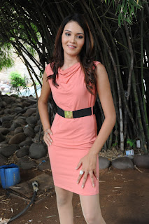 South Indian Actress Angel Singh in Preach Short Dress