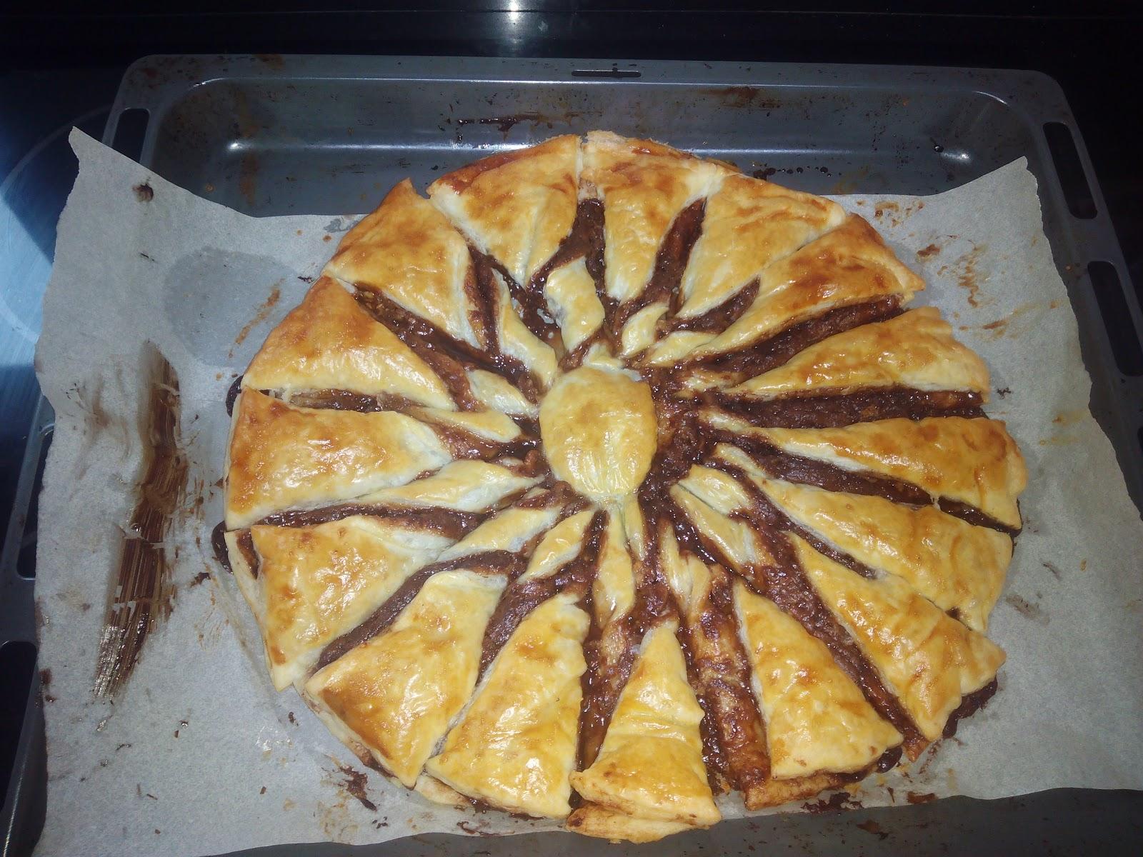 Cocina con rachel flor de hojaldre con nocilla - Racholas cocina ...