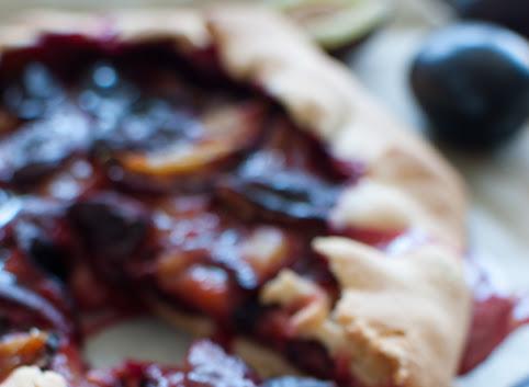 Tarta rustykalna (galette) ze śliwkami