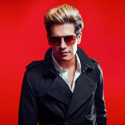 Breitbarts Milo Yiannopoulos resigns over past comments