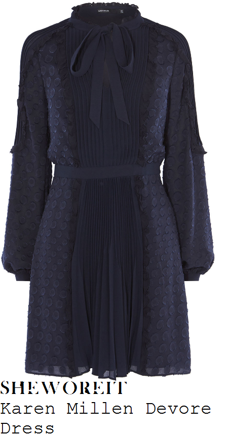 holly-willoughby-karen-millen-midnight-navy-blue-long-sleeve-high-neck-bow-detail-textured-pleated-devore-dress