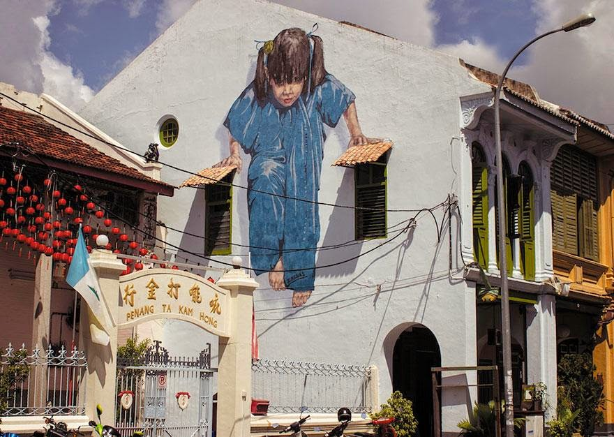 28 Pieces Of Street Art That Cleverly Interact With Their Surroundings - Girl, George Town, Malaysia