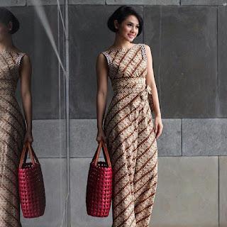 Long Dress Batik dengan Gaya Casual Model Kedua