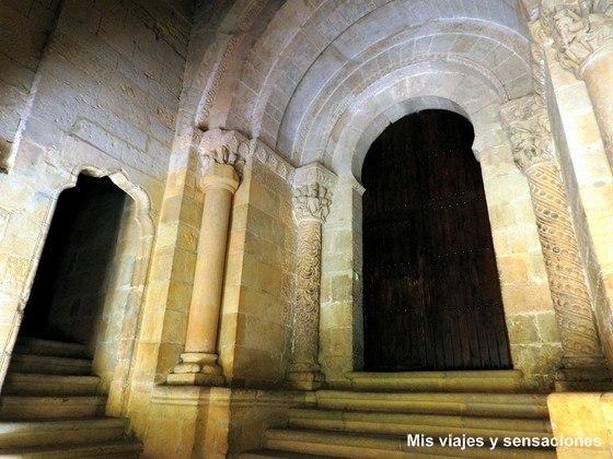 Puerta de las Vírgenes, Monasterio de Santo Domingo de Silos, Burgos