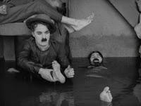 """Кадр из к/ф Чарли Чаплина """"На плечо"""" / Shoulder Arms (1918) - 4"""