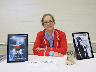 http://file770.com/wp-content/uploads/Daniel-Dern-WorldCon-2017-Helsinki-4804-Booksigning-Professor-Fiona-Moore-min.jpg