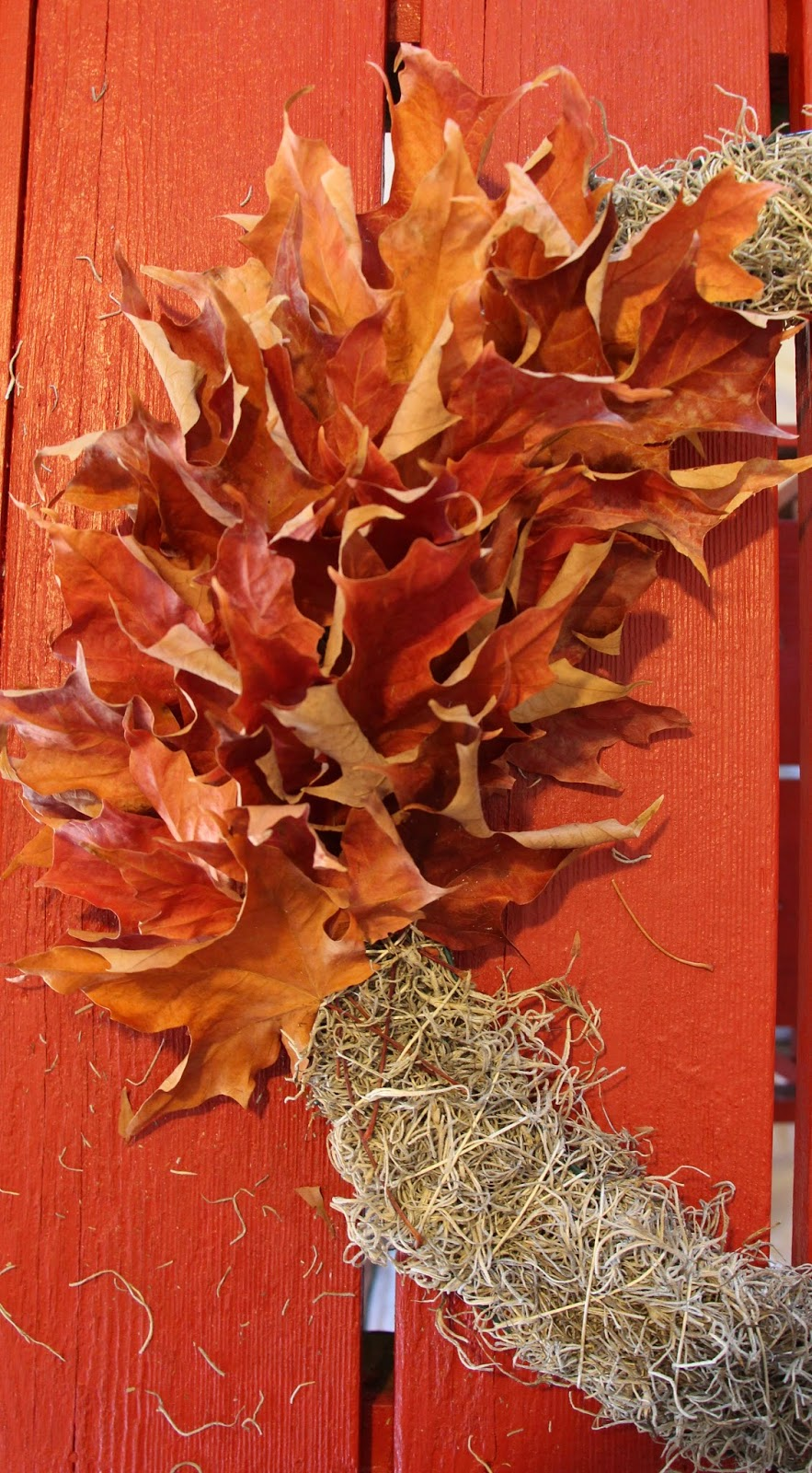 My Sweet Savannah: ~how to make a fall wreath with dried leaves~