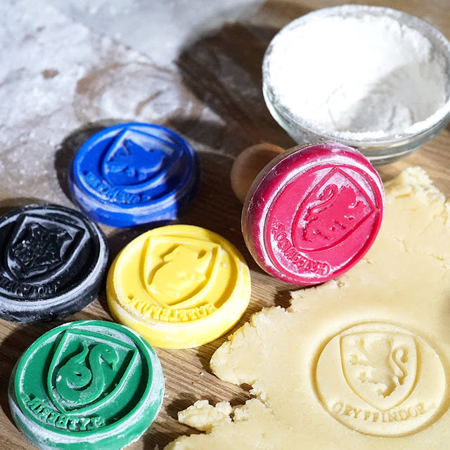 Harry Potter cookie stamps that feature the different houses of Harry Potter.