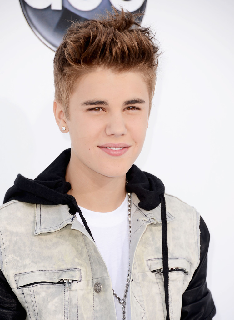 Download Free Wallpapers: One Direction 2013 And Justin