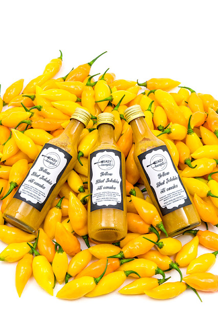 Yellow chili sauce 3 bottles on chili