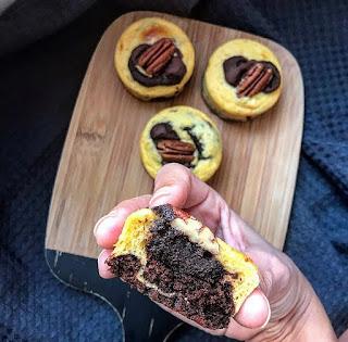 Moelleux healthy chocolat vanille noix de pecan et coeur fondant Charlotte and cooking
