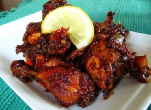 """Mamaku Memasukkan """"Ayam Mentah dan Kecap Ke Dalam Rice Cooker"""". Siapa Sangka, Hasil Rebusannya Membuat Aku Nambah Berkali - Kali !"""