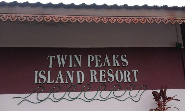 Twin Peaks Island Resort