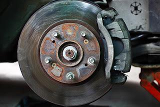 Rouler avec des rotors déformés