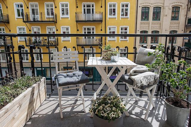idee de amenajare a unui balcon deschis