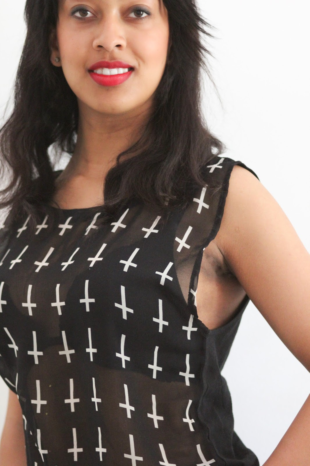 OUTFIT: 24COLOURS BLACK WHITE CROSS PRINTED TOP PRIZMAHFASHION