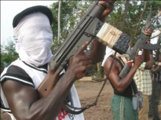 Kidnappers seize CAN members sent to deliver ransom