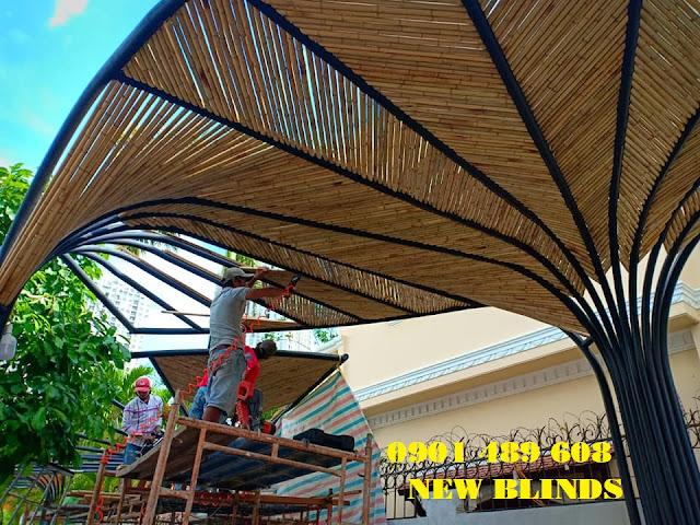 thi công ốp trúc mái hiên nhà