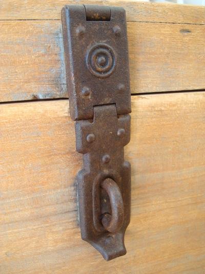 Comprar baúl de madera antiguo restaurado. Cajas de madera vintage