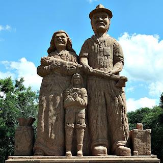 Família de Imigrantes, Tradições dos Imigrantes Alemães no Parque Pedras do Silêncio, Nova Petrópolis