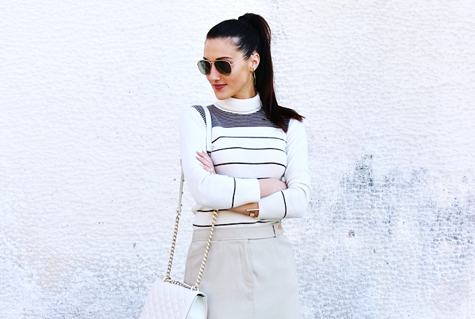 Mexx mini skirt.Beige striped turtleneck.