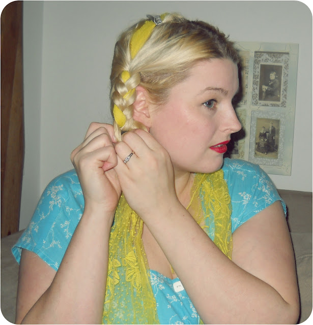 1940s braided scarf hair tutorial retro summer hairstyle via Va-Voom Vintage