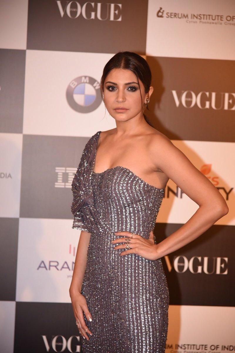 Anushka Sharma Hot chez Vogue Femme de l'année 2017 Prix-6273