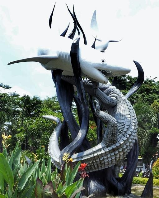Patung Suro dan Boyo Simbolnya Kota Surabaya