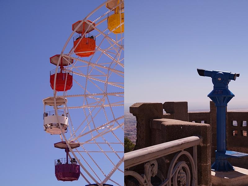Riesenrad auf und Ausblick von Barcelonas Hausberg Tibidabo im Sommer vor blauem Himmel in Spanien