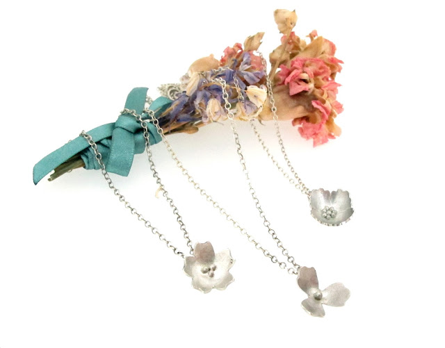 springtime-primrose-flower-pendant