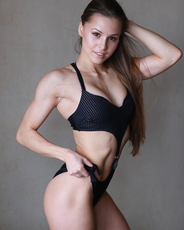 IFBB Athlete Elizaveta Mukminova