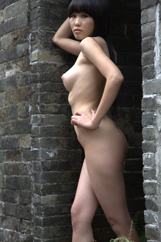 Totally naked chinese girls 10