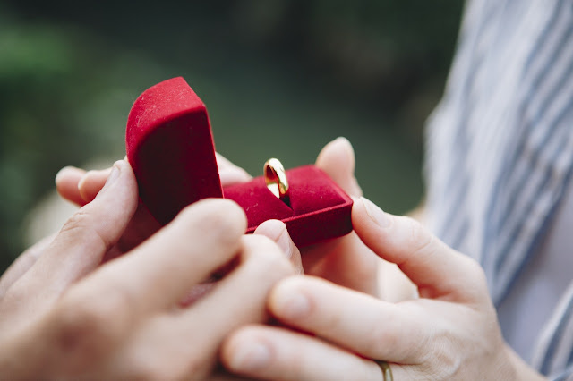 5 Unique Ways to Propose to Your Partner | Affordable LED