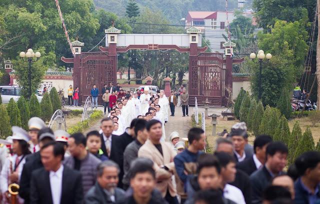 Lễ truyền chức Phó tế và Linh mục tại Giáo phận Lạng Sơn Cao Bằng 27.12.2017 - Ảnh minh hoạ 49